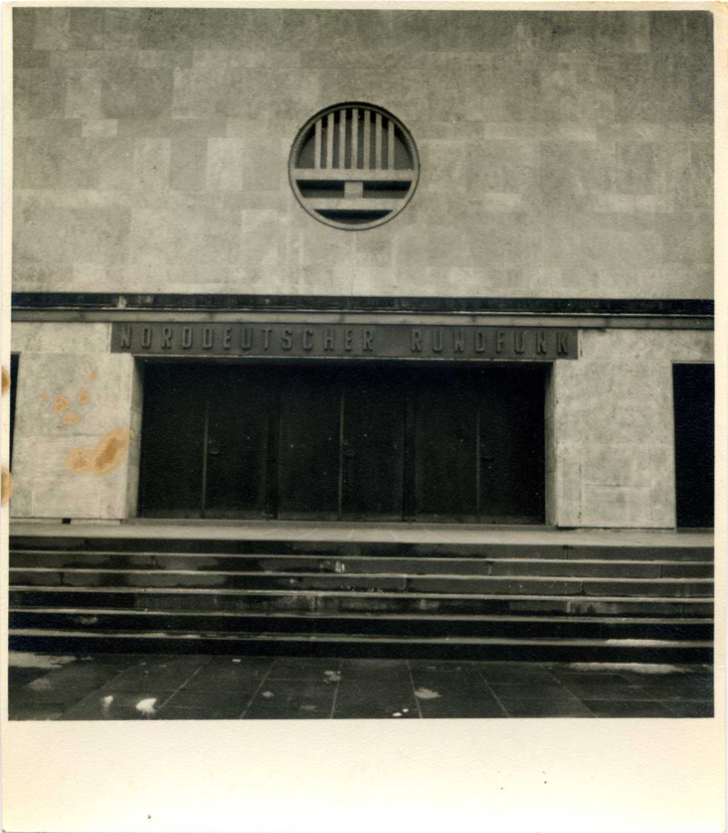 Neue Inschrift am ehemaligen jüdischen Tempel an der Obberstraße: Norddeutscher Rundfunk/ Foto: Detlef Aberle